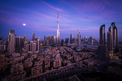 Dubai Downtown- moon meets sunrise