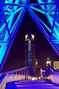 Devon Energy building framed by the SkyDance Bridge. Oklahoma City, OK.