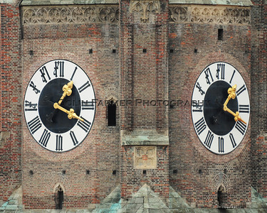 1:19 at the Clock tower of the Frauenkirche - Version 2
