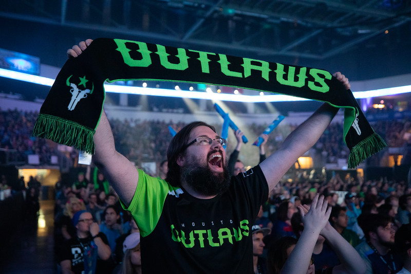 Houston Outlaws fan