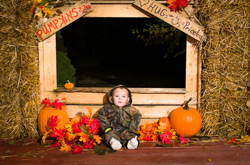 cobear; kids; maggie gade; costume; halloween; minisession; photography; portrait; session