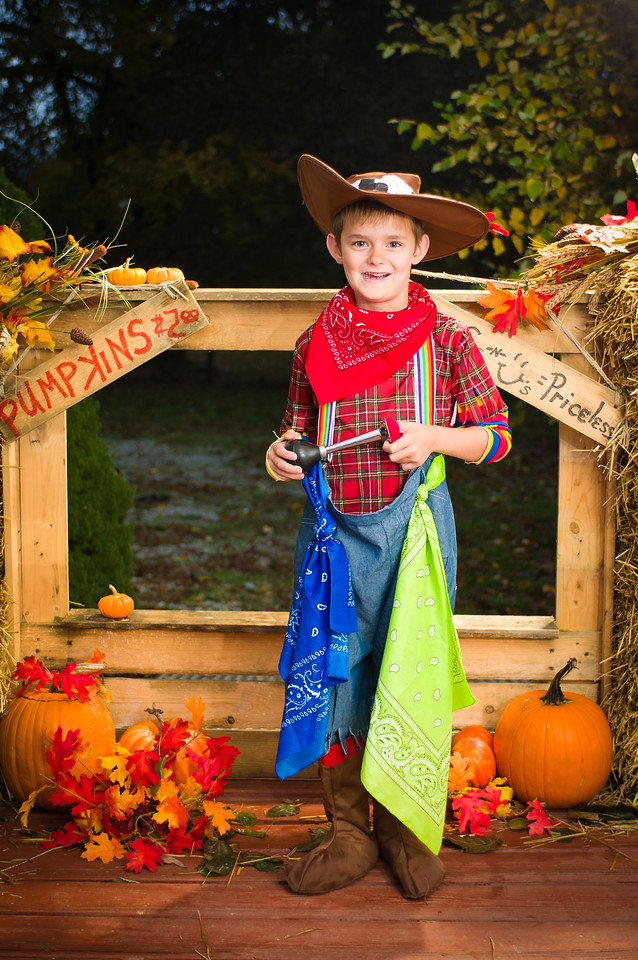 cobear; kids; madison neese; wyatt neese; costume; halloween; minisession; photography; portrait; session