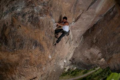 Santiago Contreras climbing 5.11d, Suesca, Colombia.