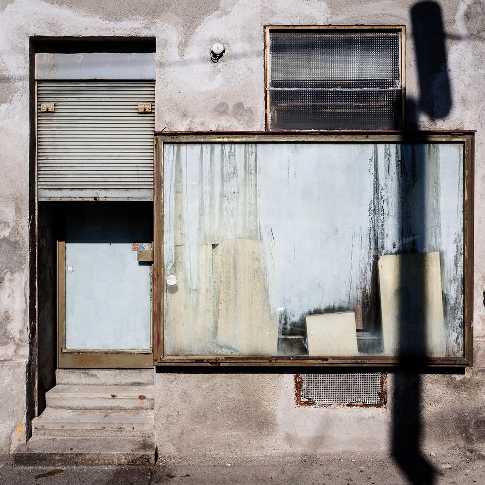 Mondrian for derelicts