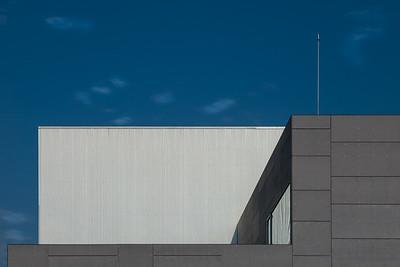 Blanco sobre azul