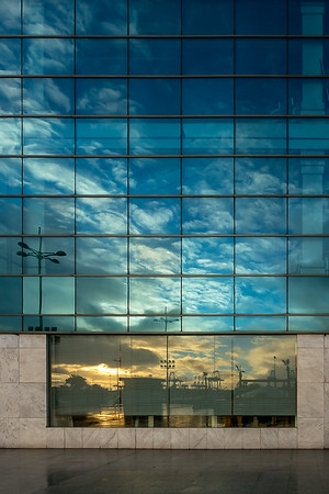 Glass wall sunshine
