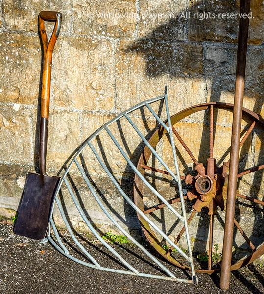 Spade, Manger & Wheel