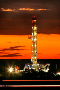 Oil Rig/Three River, Texas/ Fracking