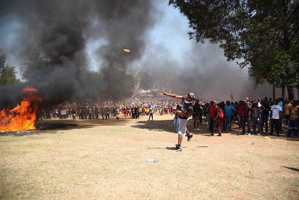 #Feesmustfall - Conflict at Union Buildings