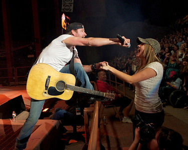 Dierks Bentley & Lucky Fan