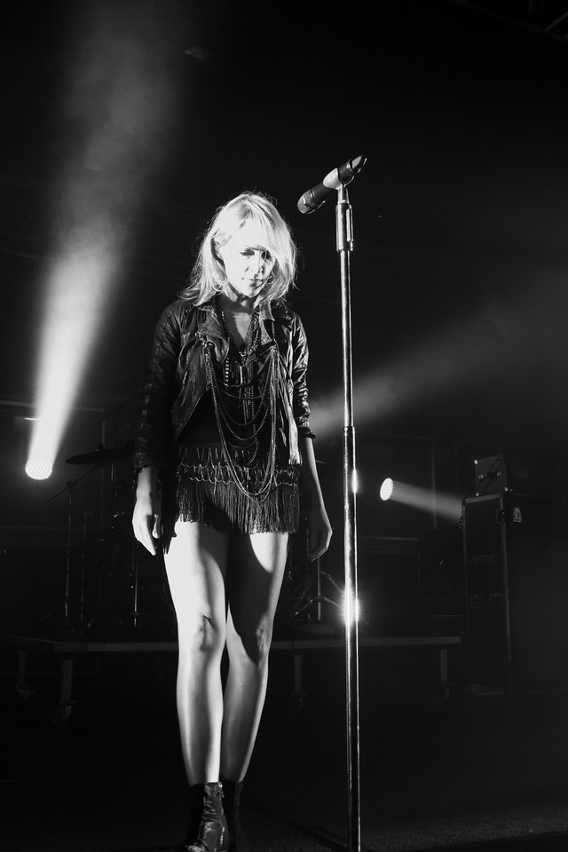 Metric - December to Remember - 2012