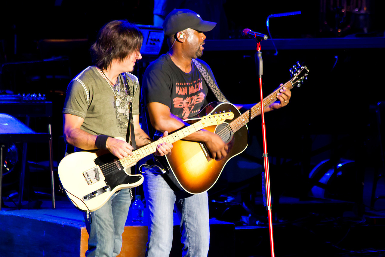 Quinton Gibson and Darius Rucker