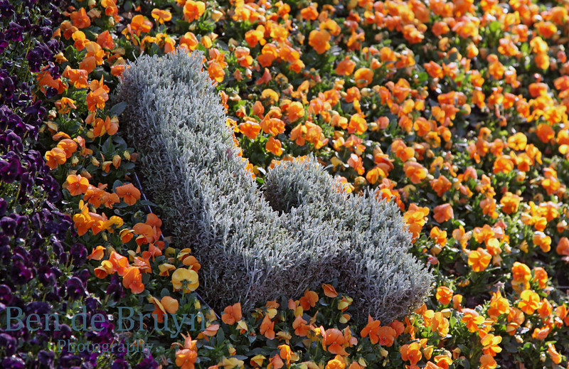 Flower number four sign as part of flower clock
