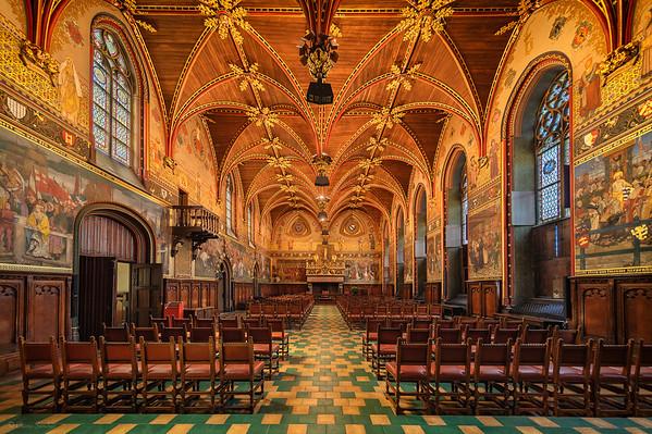 Gothic Hall || Sala Gótica