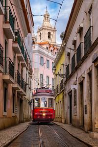 Alfama Streets || Calles de Alfama