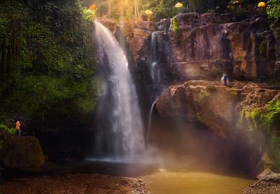dec17_Indonesia love in the waterfall