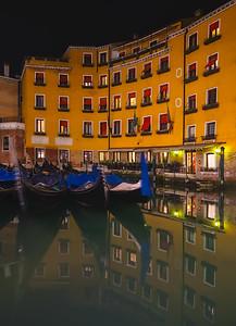 Venice night lights 7R24665