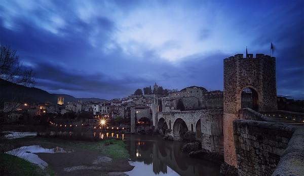 Blue hour in Bthe medieval town Besalu