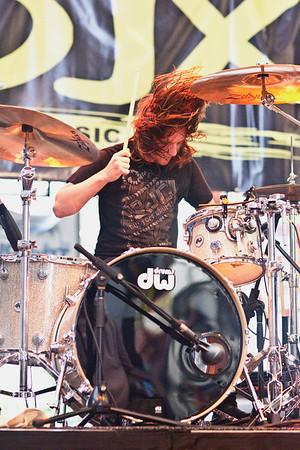 We The Kings drummer Daniel Duncan gets down.