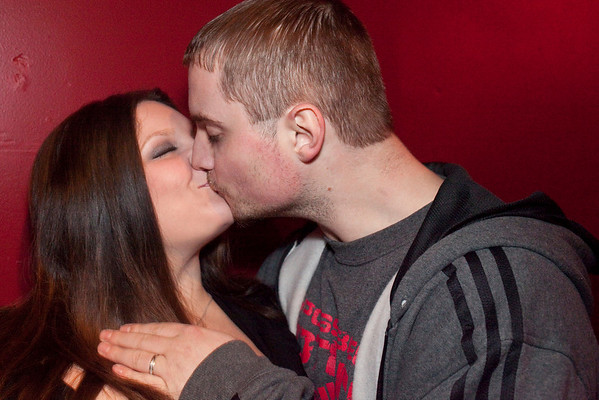 Mike Burch gives his wife Leia a pre-show smooch.