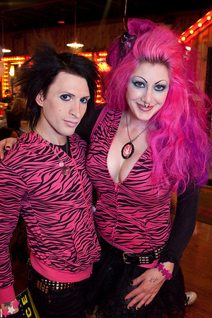 Kynt and Vyxsin hosted their last local viewing party for The Amazing Race. The two departed for Los Angeles after the episode.