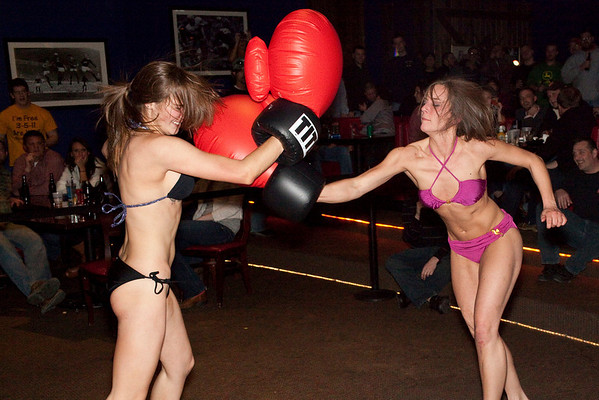 The third fight between Lauren Pfeiffer and Tracy Zellers was also the championship bout as determined by crowd favoritism.