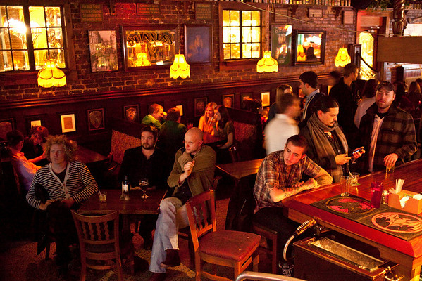 O'Shea's attracted a crowd of live music enthusiasts.