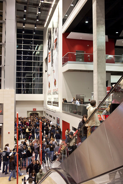 The pedway entrance on the west seemed to have an unending flow of fans.