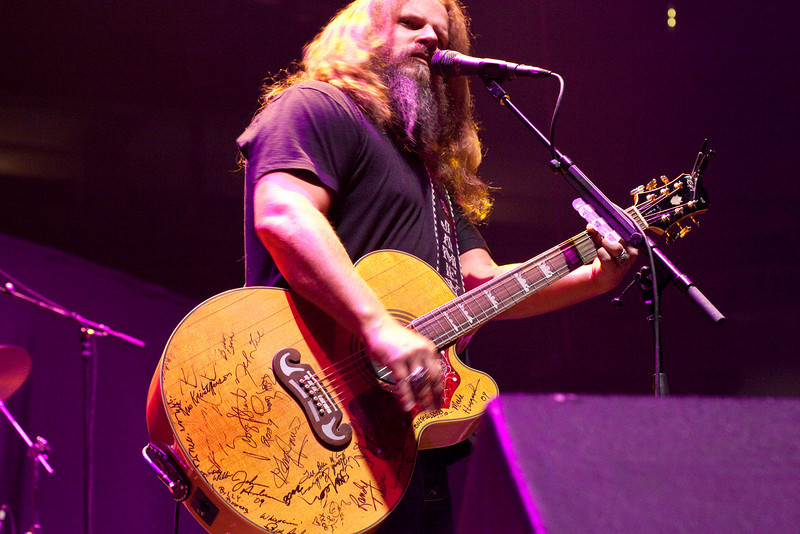 Opening act Jamey Johnson gets the crowd pumped up.