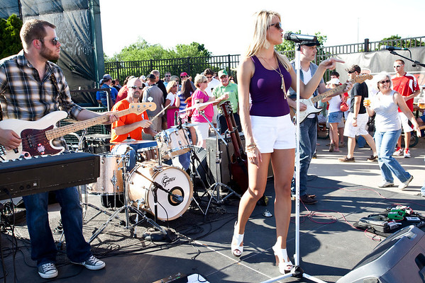 Singer Olivia Henken was the featued act for the pre-game Thirsty Thursday crowd.