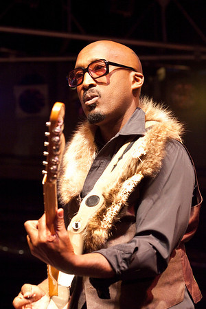 "The American Soul/R&B group Tony!Toni!Tone! performed a free concert at Fourth Street Live on Sunday. The Oakland-based band scored a Top 10 hit with ""Feels Good"" in 1990 and were featured on the Boyz N The Hood Motion Picture Soundtrack in 1992."
