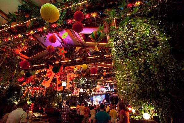High energy songstress Goldy LockS took over the Roof Garden in style.