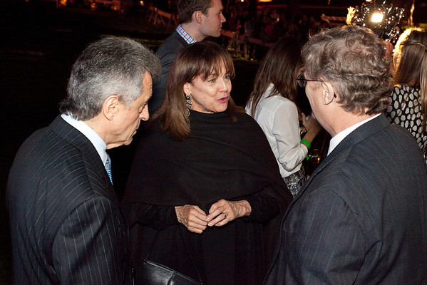 Valerie Harper chats with fans.