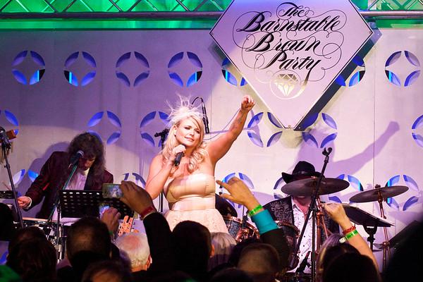 Country sensation Miranda Lambert brought the crowd up a little more.