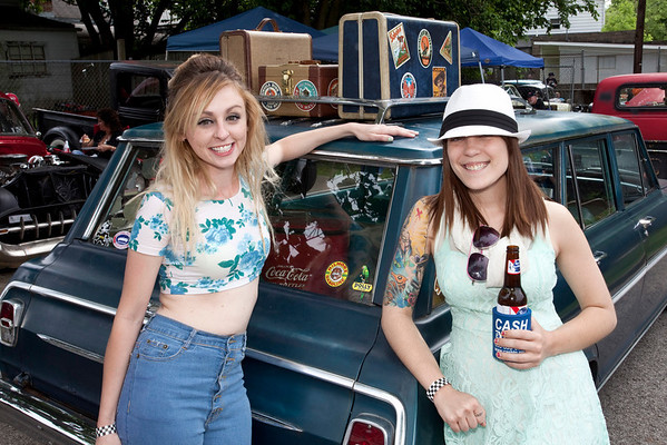 Kassie Spalding and Amanda Whitehouse keep it light and breezy.