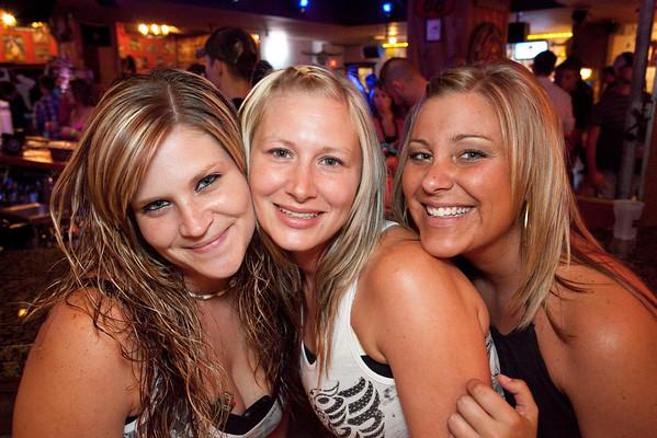 Courtney Morris, Lauren Watrous, and Liz Morris were all smiles.