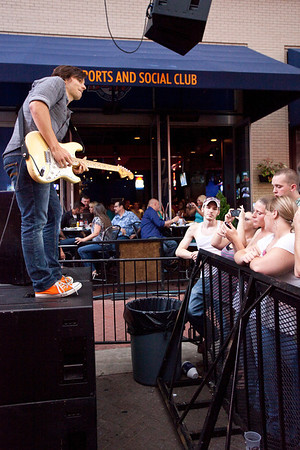 Opening act Charlie Worsham was a hit with the ladies in the crowd.