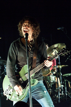 Seattle-based, Grammy Award winning, grunge rockers Soundgarden played to a packed house of mostly Gen-X-er's at The Palace Theatre on Friday night.