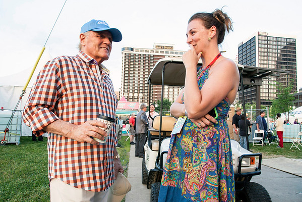 Beach Boys vocalist Bruce Johnston shares a few stories with fan Ali Shaw Hawthorne.