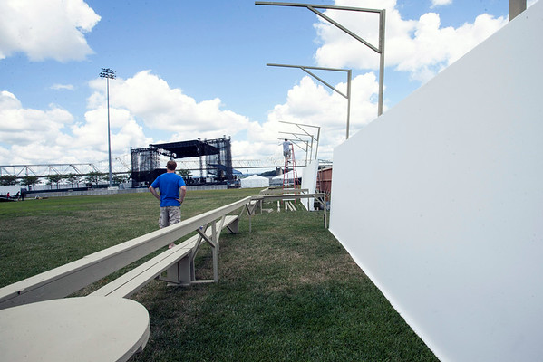 A giant series of blank canvases were prepped and waiting for attendee participation near the Mast Stage.