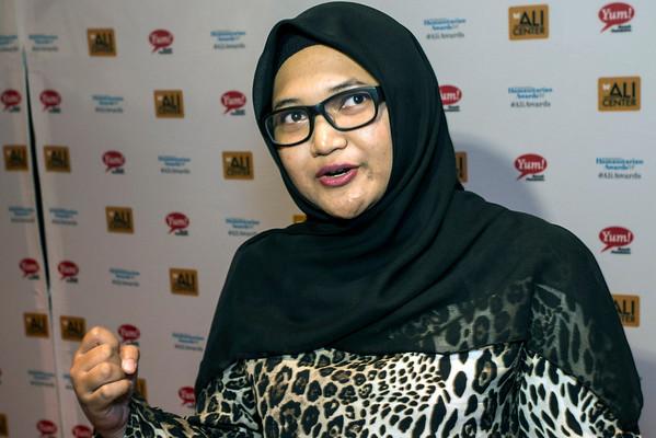 Spirituality Award winner Mastura Rashid discusses her ideas on the red carpet. 9/27/14