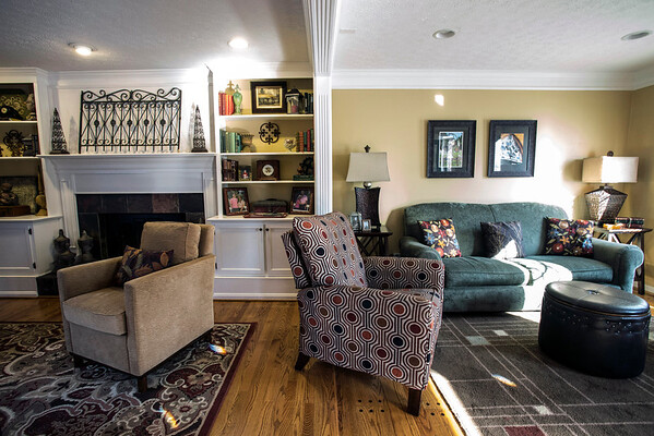 The cozy Crestwood home of Mark and Rhonda Graham is rich in warm detail, and defined throughout by spiritual and personal effects to accentuate the good energy found within. 11/20/14