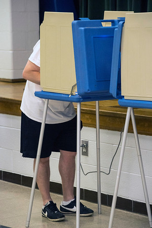 35 early arrivals from two precincts voted in the frst hour at Kenwood Elementary during Kentucky's primary election on Tuesday morning. 5/17/16