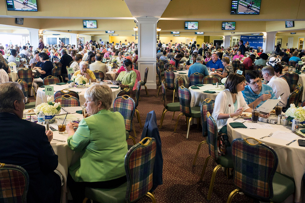 Roughly 800 were in attendance for the Norton Cancer Institute's Survivor Celebration Day at Churchill Downs on Sunday. 6/5/16