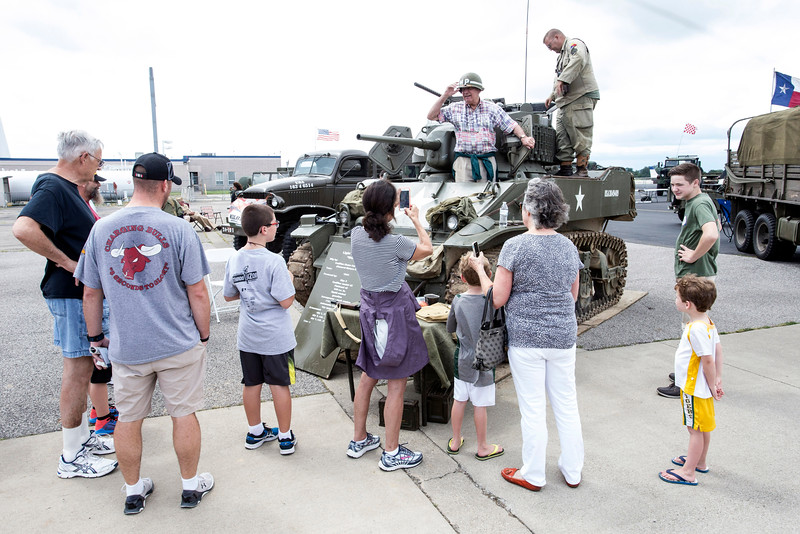 Veterans and fans of WWII gathered at Bowman Field on Saturday afternoon for the Spirit of '45 Commemoration. 8/13/16