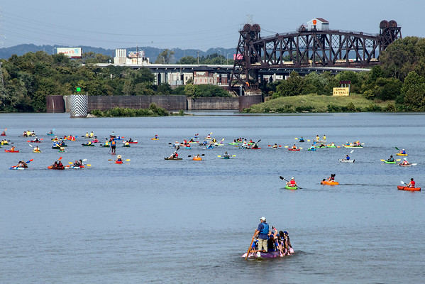 The conditions were perfect for paddlers on the Ohio River during the Mayor's Hike, Bike and Paddle. 9/5/16