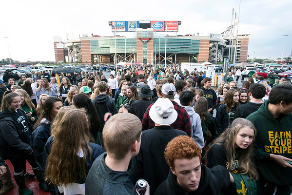 The rain ended and the fans poured into Papa John's Stadium on Friday night for the St. X vs Trinity football game. 9/30/16