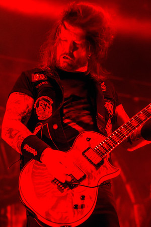 Slayer guitarist Gary Holt shows off his skills during the Louder Than Life Festival. 10/1/16