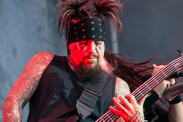 Reginald Arvizu of Korn delivers a heart pounding bass line at Louder Than Life. 10/2/16