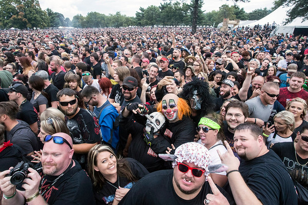 Big and somewhat scary are words that describe the Sunday crowd at the Louder Than Life Festival. 10/2/16